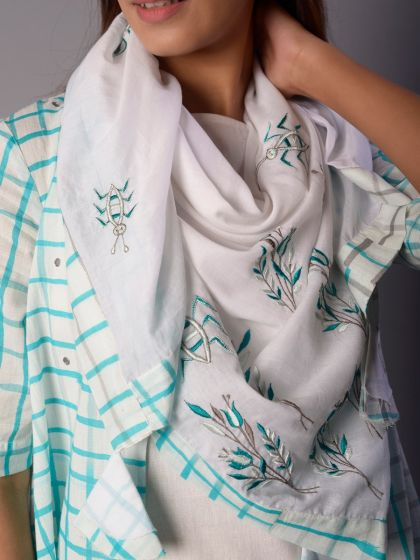 Pinksky Designer Cotton Scarf With Embroidery