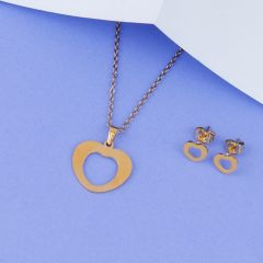 Gold Plated Pendent Set